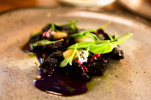 Dried beets and lingonberries with bone marrow